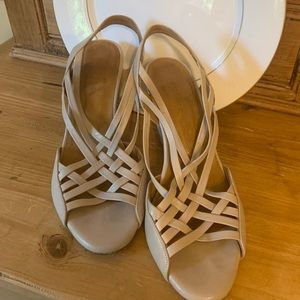Coclico nude strap wedge